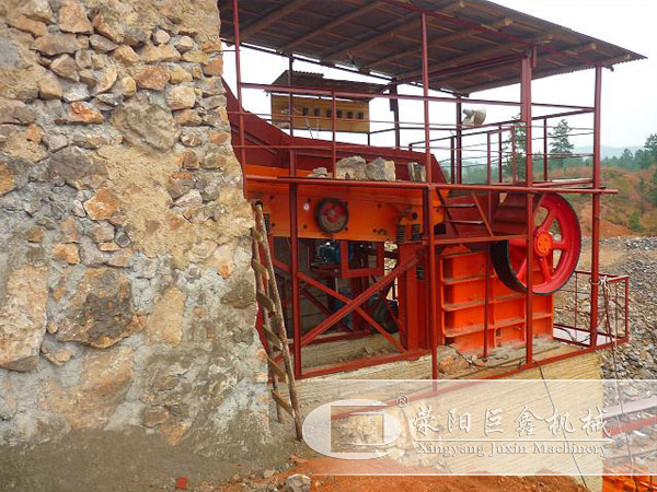 石灰石沙石生产线的粗破设备